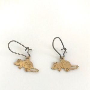 Vintage 1970's brass engraved mouse charm earrings